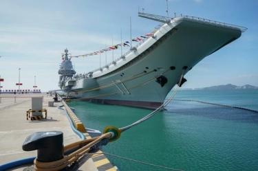 走进国产第一艘航空母舰山东舰